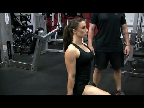 How to Work Your Quadriceps With a Dumbbell : Exercising at the Gym