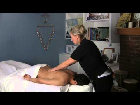 Swedish Massage for the Back : Swedish Massage